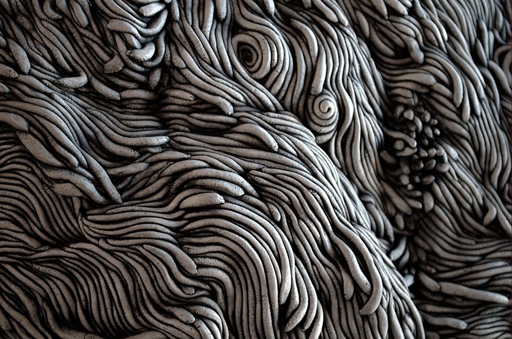 Black and white coil built ceramic clay sculpture made by Erik Hubert Gellert Eric art 3-d printed 3d print robot handmade